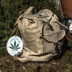 Rustikaler plastikfreier Rucksack aus 100% Hanf - Einzelstück