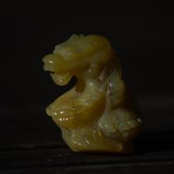 Drache aus gelber Jade 'Merovingian'