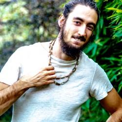 Perlmutt Halskette 'Ästhetik der Solidarität'